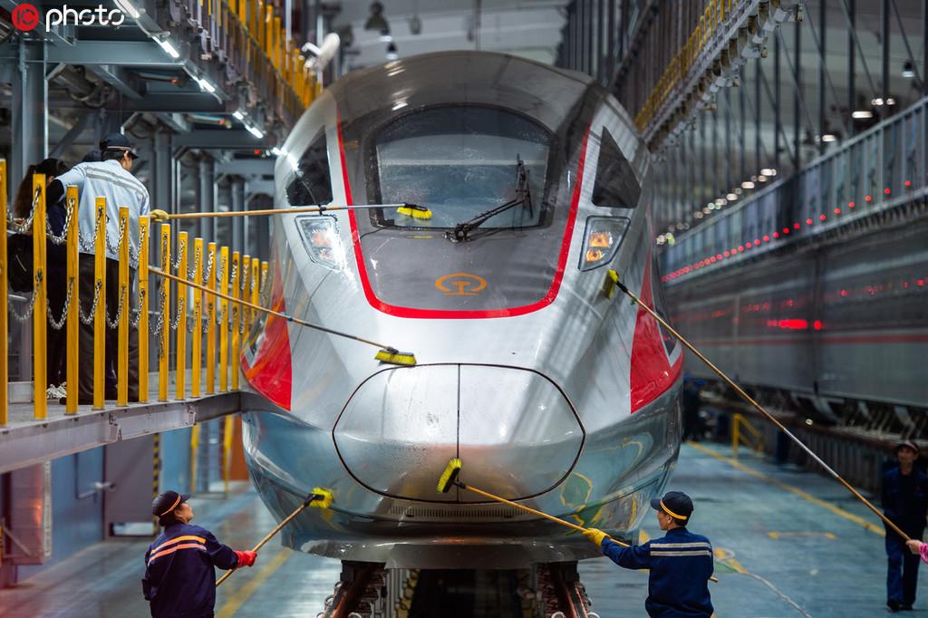 """復興號上線2周年 時速從300公里到350公里,見證""""中國速度""""!3.jpg"""
