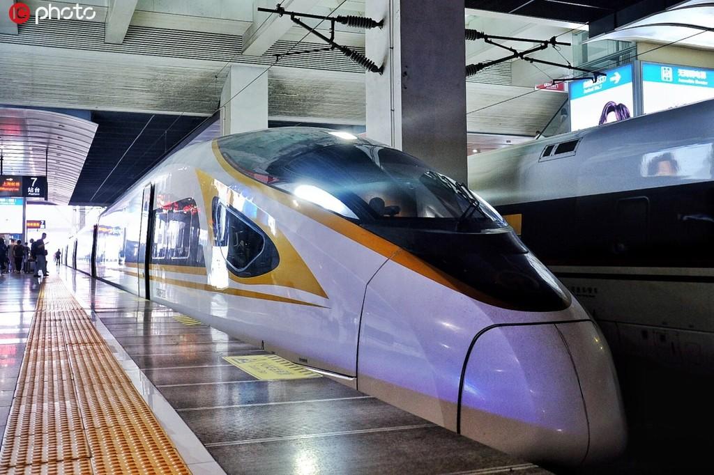 """復興號上線2周年 時速從300公里到350公里,見證""""中國速度""""!4.jpg"""