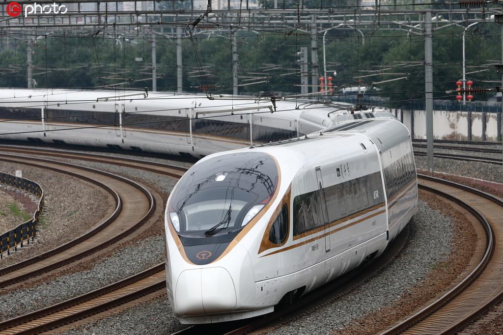 """復興號上線2周年 時速從300公里到350公里,見證""""中國速度""""!5.jpg"""