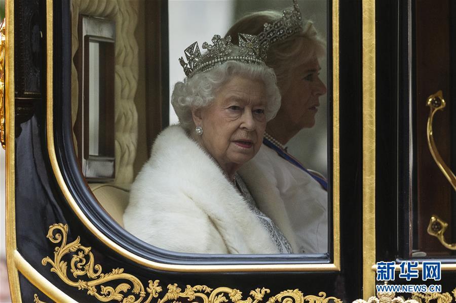 英女王出席英国新一届议会开幕仪式2.jpg