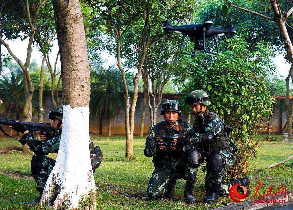 广西贵港:武警反恐演练 提升实战能力3.JPG