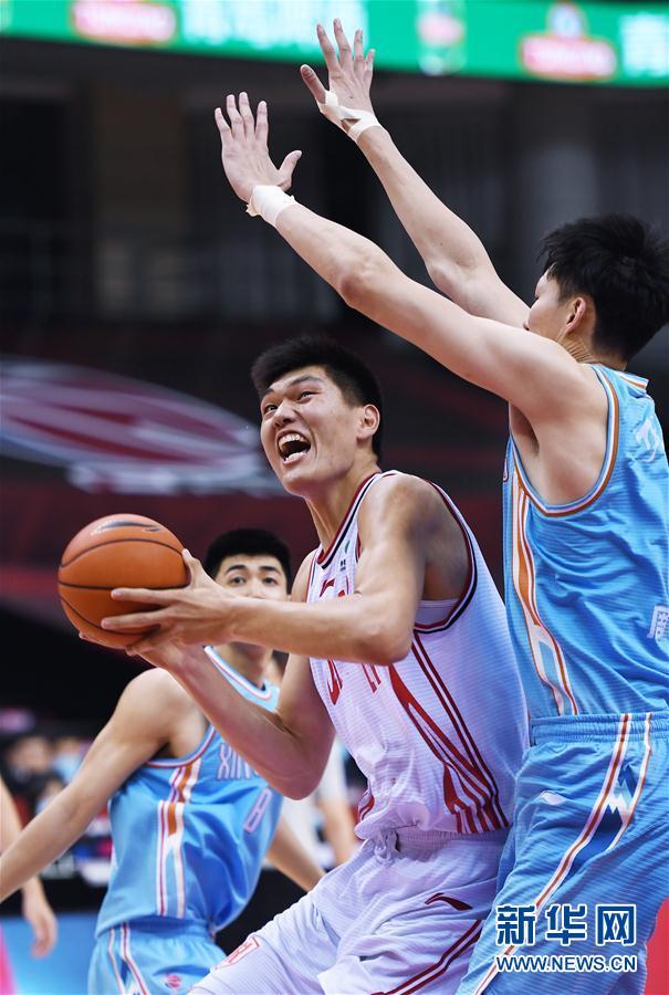 (体育)(10)篮球——CBA复赛第一阶段:新疆伊力特胜青岛国信双星