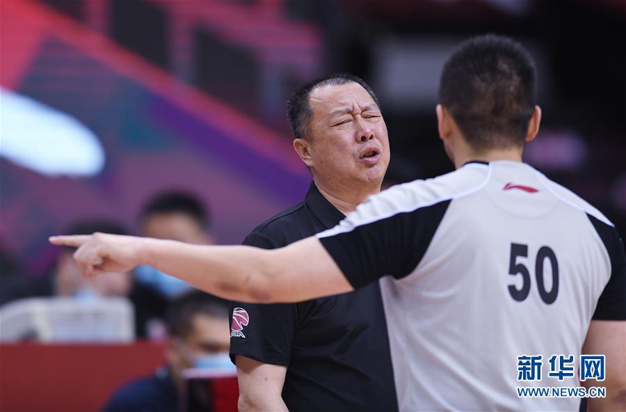 (体育)(11)篮球——CBA复赛第一阶段:新疆伊力特胜青岛国信双星