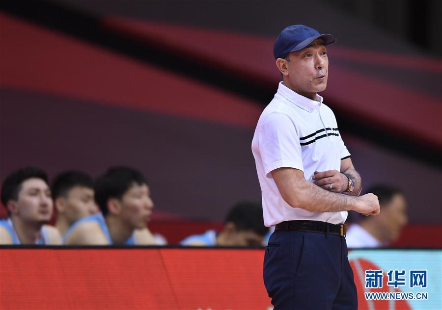 (体育)(12)篮球——CBA复赛第一阶段:新疆伊力特胜青岛国信双星